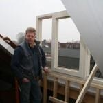 De start, het plaatsen van de dakkapel welke op lokatie opgebouwd is.
